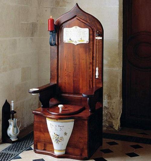 dagobert-toilet-throne