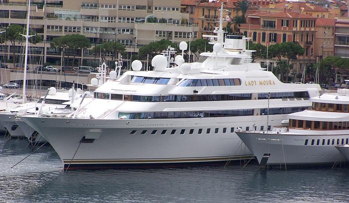 Lady-Moura-in-Monaco