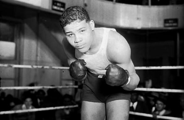 Самый титулованный боксер в мире