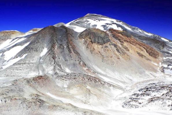 один из самых высоких вулканов в мире