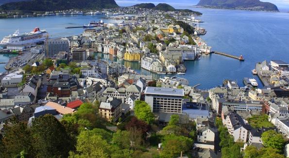 Город в Норвегии -  Олессун
