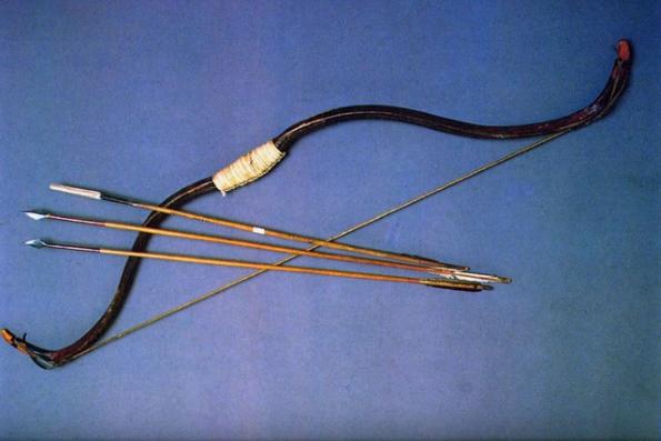 Как сделать из дерева лук и стрелы 827